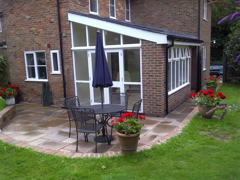Image 13 - Garden room.