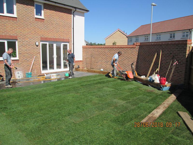 Image 20 - Dunstable lawn path patio