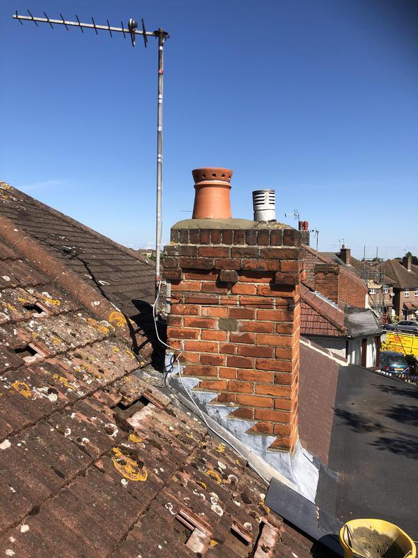 Image 16 - New chimney pot and flauching