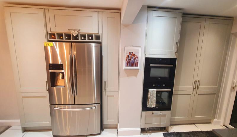 Image 58 - Kitchen