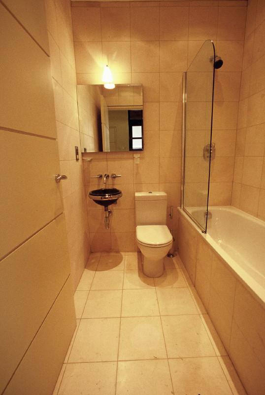Image 17 - Bathroom
