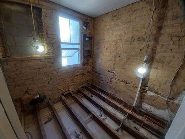 Image 33 - Before bathroom renovation, Upminster, RM14