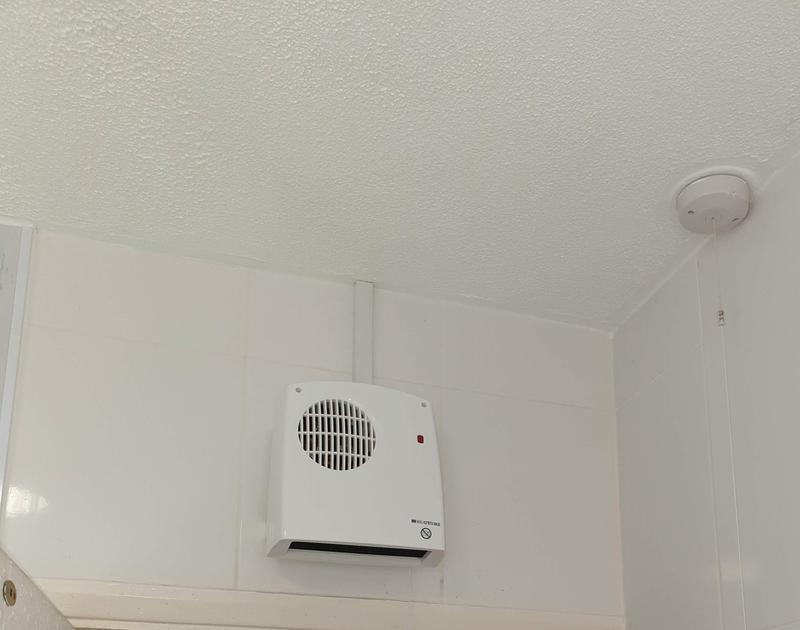 Image 8 - Bathroom heating