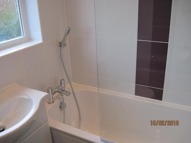 Image 35 - Small bathroom 2