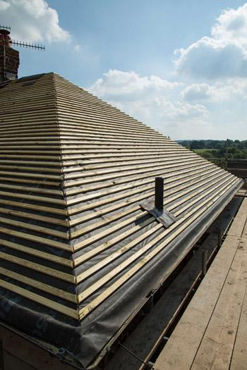 Image 16 - With our team of experts, high quality materials and excellent workmanship, we can cater to all your tiled roofing needs.