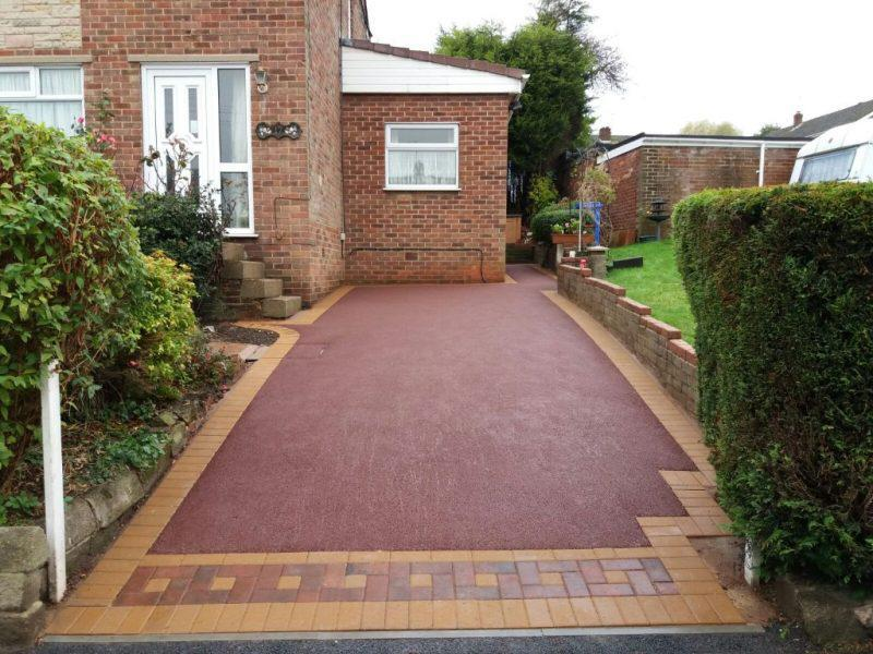 Image 140 - Buff Block paved border with a beautiful red tarmac very rare and sets off this property outstandingly another beautiful job total paving