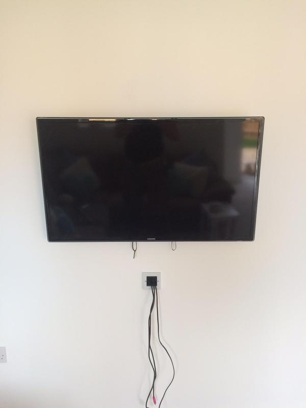 Image 30 - lcd & led tv wall mounting installation services