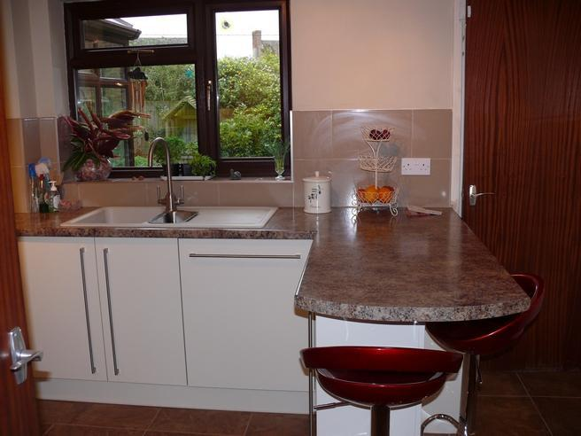 Image 15 - Breakfast bar with stools