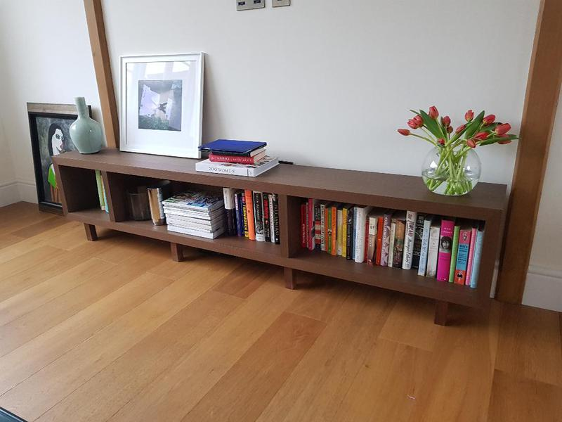 Image 39 - Bookshelf