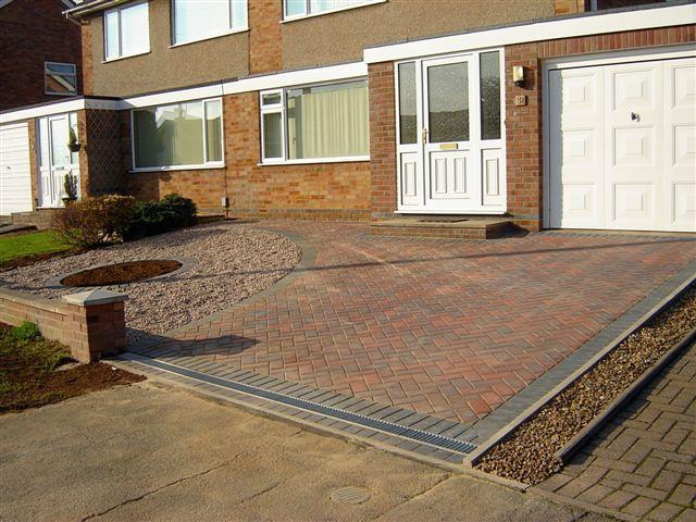 Image 15 -  Completed driveway 45 degree herringbone brindle with charcoal  border