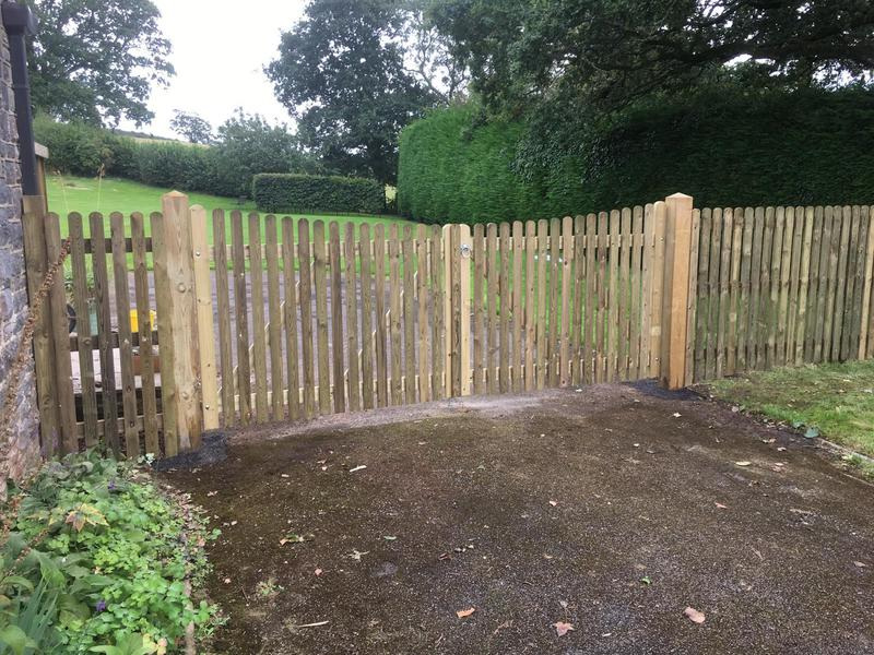 Image 119 - New picket fencing and gate