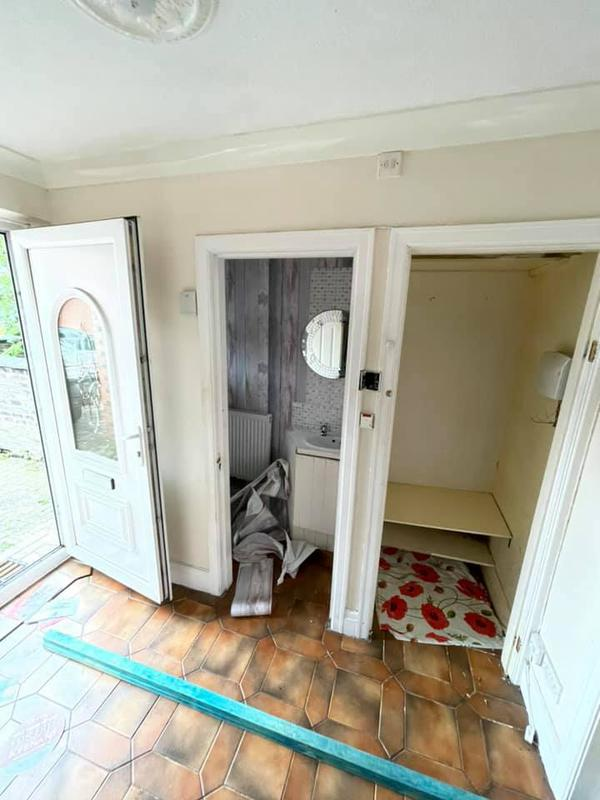 Image 80 - Bury House refurbishment - Before - Hallway