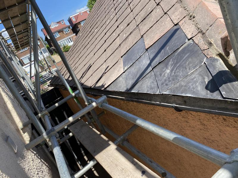 Image 26 - New diamond slates. Repair in Willesden
