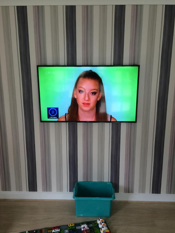 Image 39 - lcd & led tv wall mounting installation services