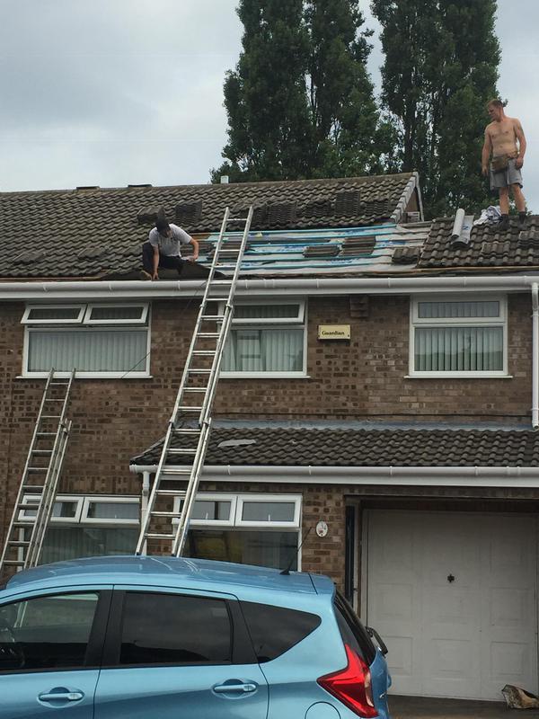 Image 39 - Felt and batten repair on roof tiles
