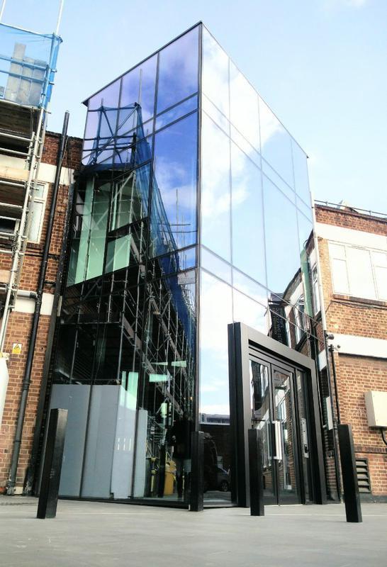 Image 29 - Chiswick, London -  The light box