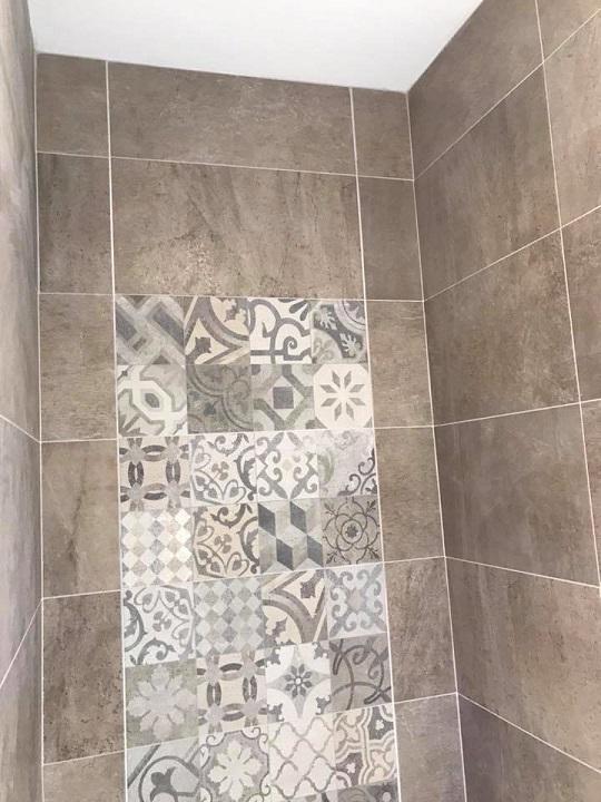 Image 44 - Tiling
