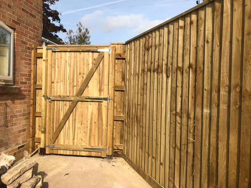 Image 19 - Closeboard fencing and matching gate, Dorchester
