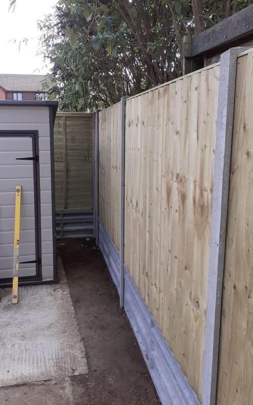 Image 18 - Closeboard fencing on concrete posts and concrete gravel boards