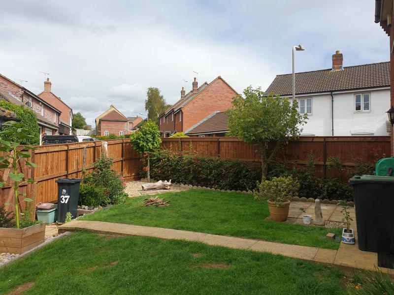 Image 62 - New closeboard fencing in Sturminster Newton using brown tanalised timber.