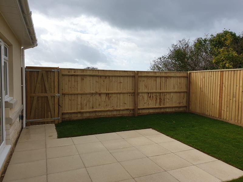 Image 124 - Closeboard fencing with matching closeboard gate