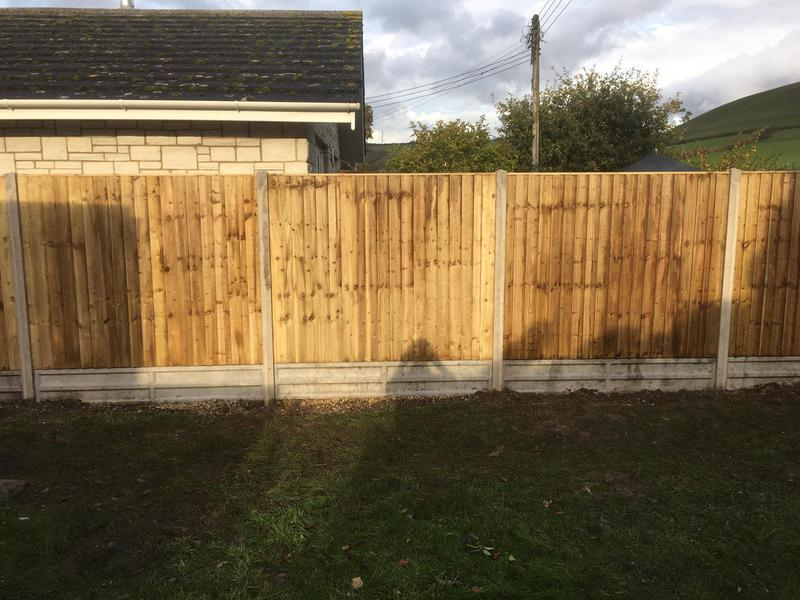 Image 131 - Closeboard fencing on concrete gravel boards and concrete posts