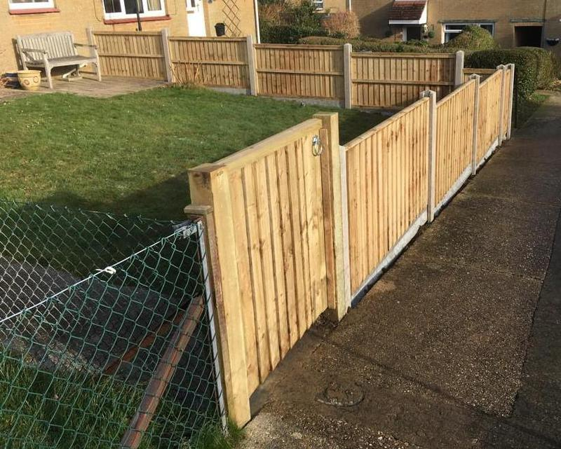 Image 135 - Closeboard panels on concrete posts and gravel boards