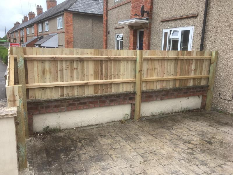Image 140 - Closeboard screening to clients driveway