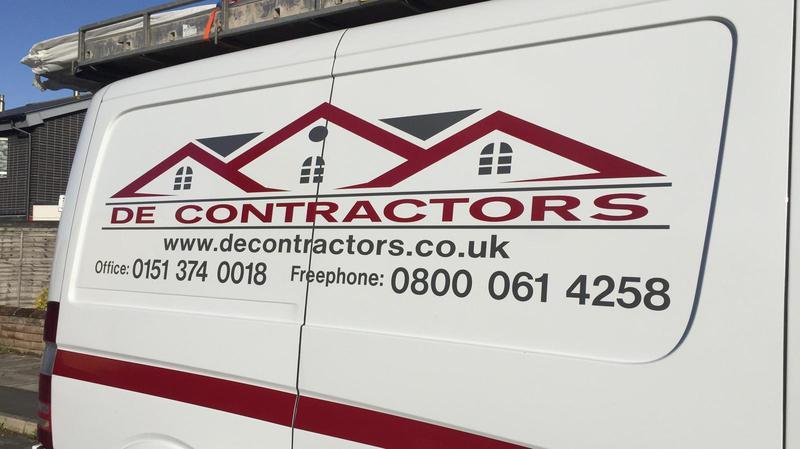 DE Contractors logo