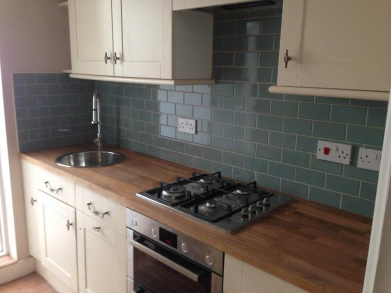 Image 91 - Kitchen tiled splashback replacement