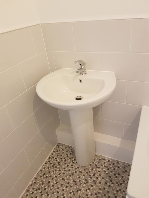 Image 139 - SURREY QUAYS - BATHROOM REFURBISHED