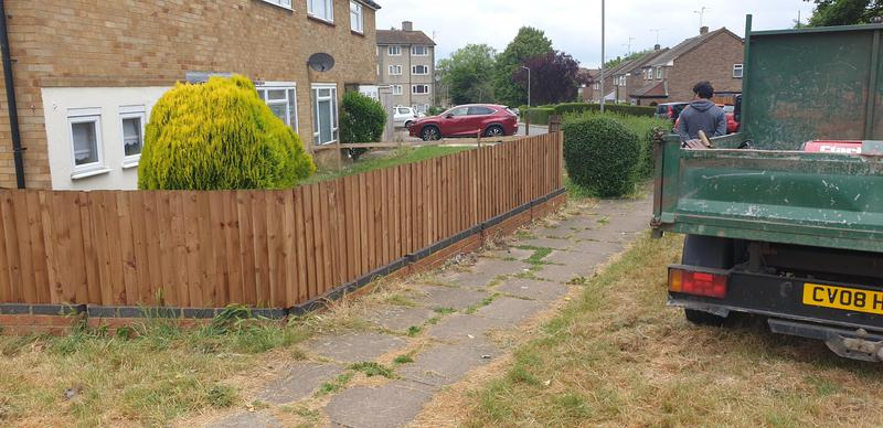 Image 11 - 3ft High close board fencing