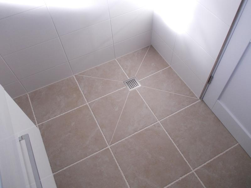Image 4 - Wet room with underfloor warming.