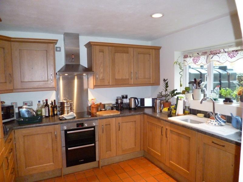 Image 5 - A traditional oak kitchen fitted in Kirtlington