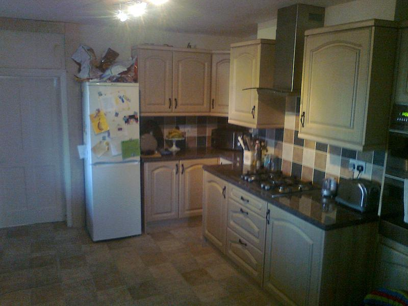 Image 4 - supplied& fitted a budget kitchen from an internet com(Ashbydelazouch