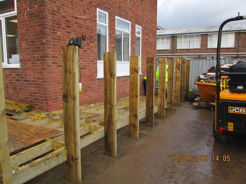 Image 11 - Newmarket new fence posts with ramp