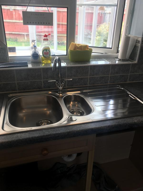 Image 31 - New sink in to replace a single bowl sink