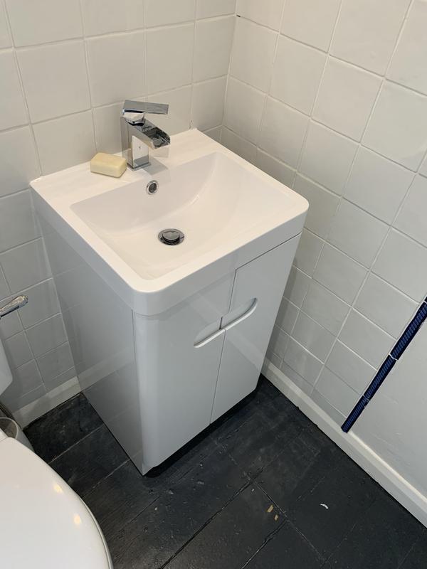 Image 3 - New vanity sink unit