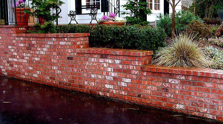 Image 152 - Multi level brickwork