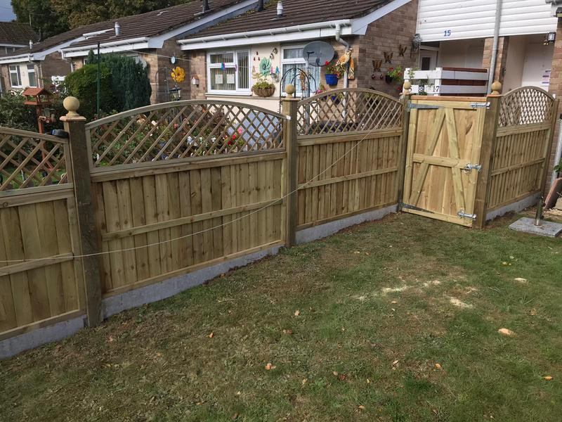 Image 11 - Panel fencing on concrete gravel boards, finished with domed diamond trellis and ball finials - Yeovil