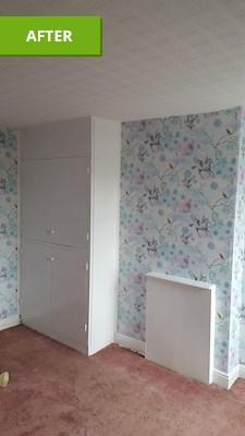 Image 20 - Emulsion ceiling,paper walls, undercoat & gloss