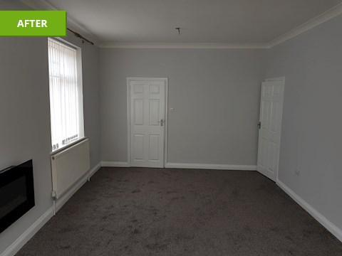 Image 6 - Emulsion ceiling,Emulsion walls,undercoat & gloss woodwork