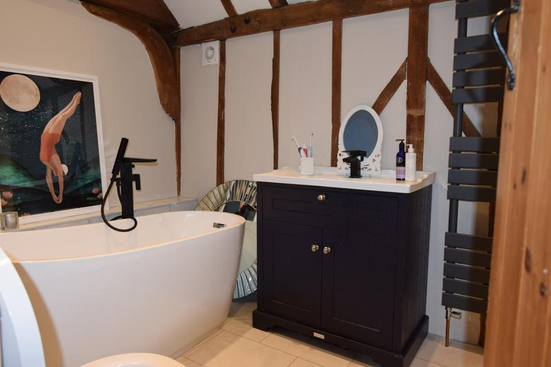 Image 18 - Barn Bathroom Essex