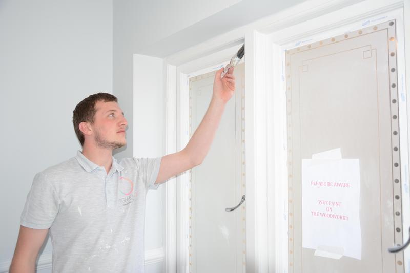 Image 6 - Decorator cutting in window frame