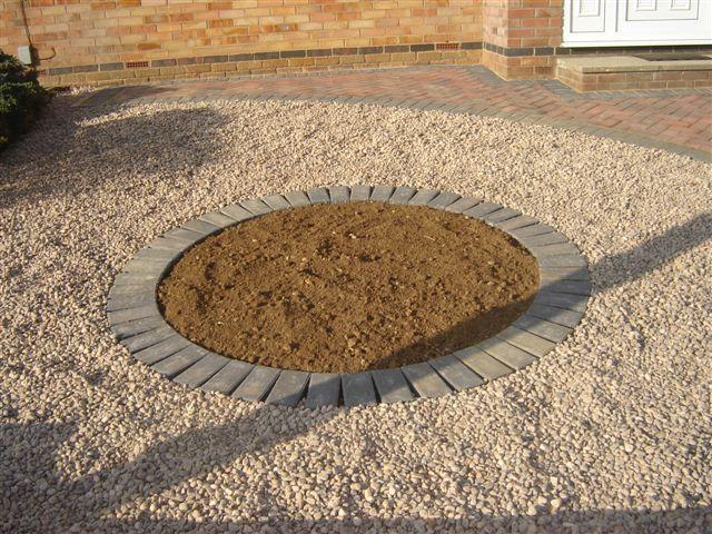 Image 16 - chardlow gravel with charcoal block paved circle