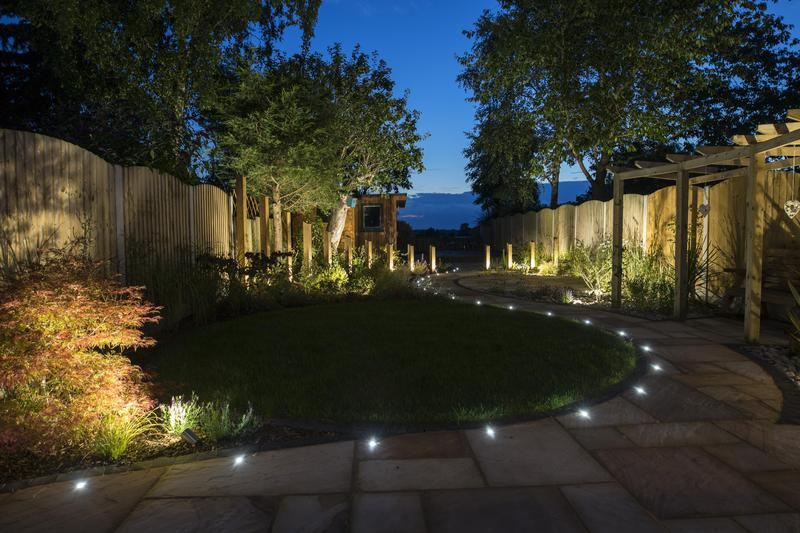 Image 8 - Contemporary Curves with Lighting