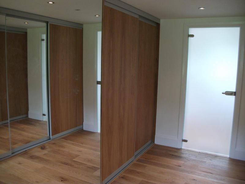 Image 22 - Fitted wardrobes