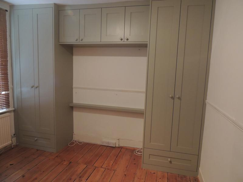 Image 26 - Wardrobe with overbed storage and drawers