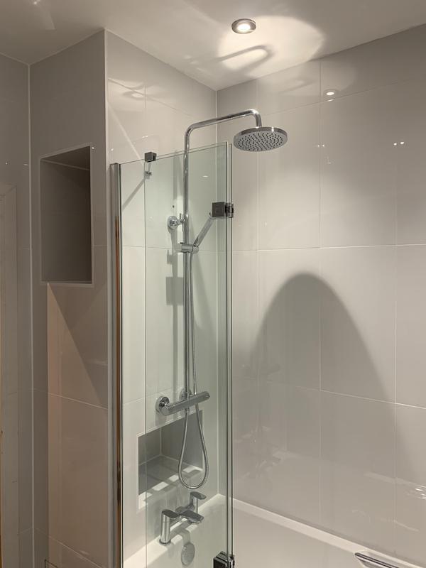 Image 70 - Shower fitted Bexleyheath bathroom