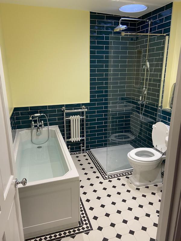 Image 27 - Extension bathroom